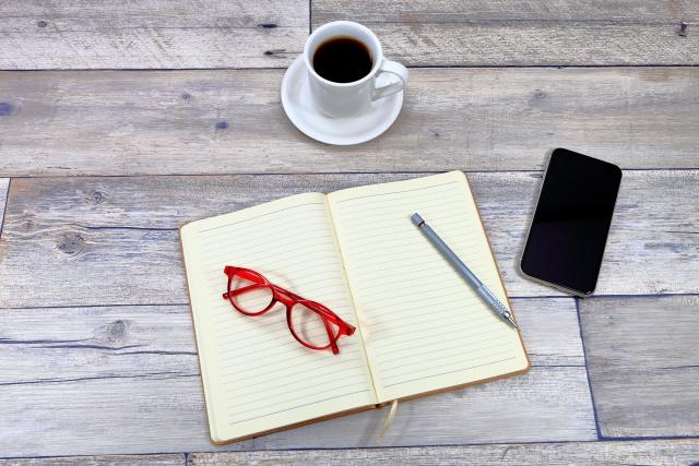 ブルーライトカットメガネはキャンドゥ以外の100均でも買える